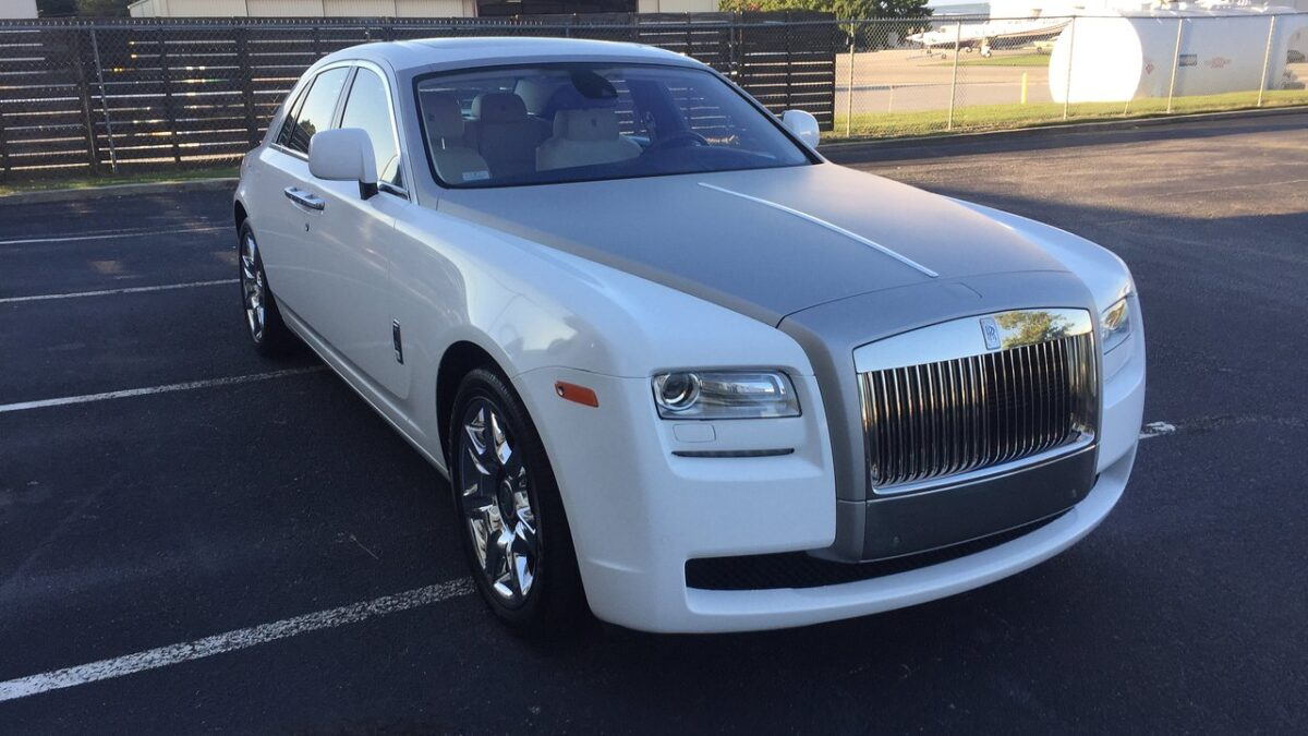 Why and How to Get Luxury Cars Rentals in Atlanta