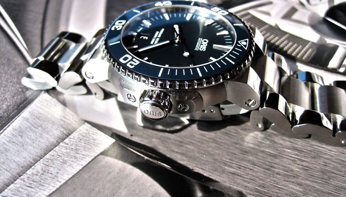 6 Best Oris Aquis Watches for Watersports Lovers