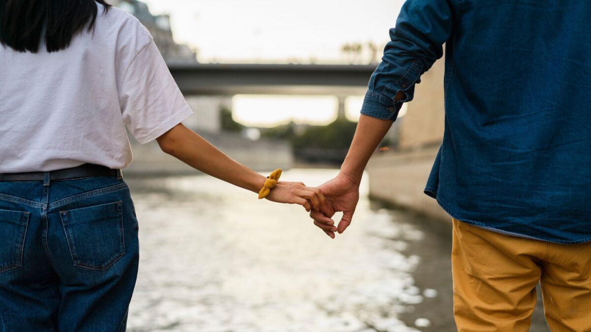 How to Save a Relationship for a Long Time?