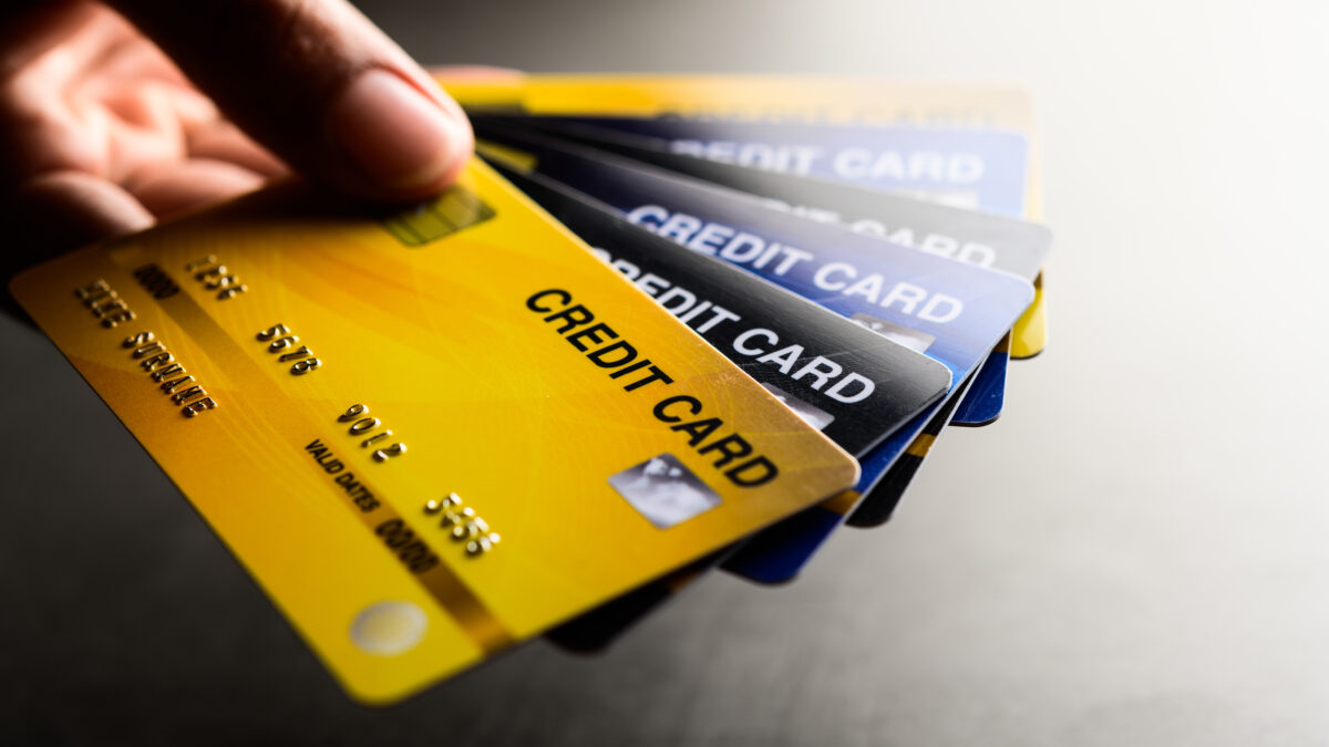 Top 4 Smart Tips to Use Your Credit Cards