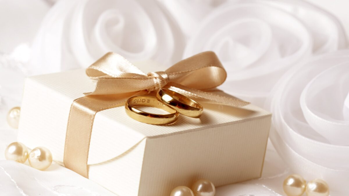 Essential Gift Ideas For Your Employees