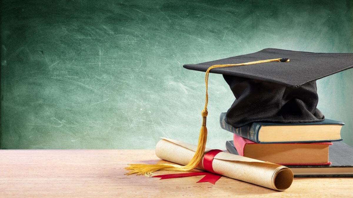 What are the advantages of MBA course?